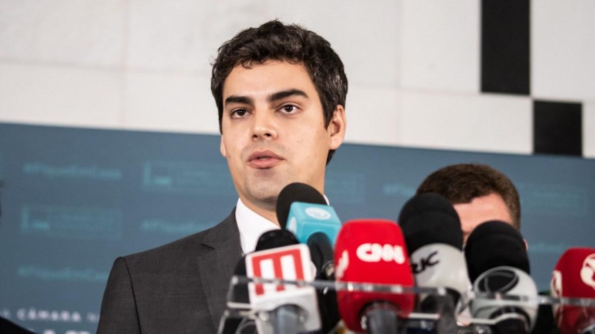 Tiago Mitraud pede urgência na aprovação do novo Fundeb no Senado