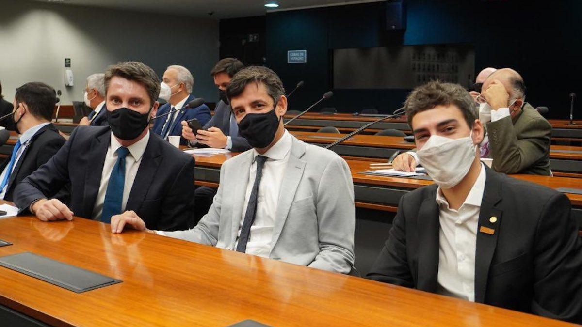 Com votos decisivos de associados do Livres, comissão especial aprova parecer do PL da Cannabis Medicinal