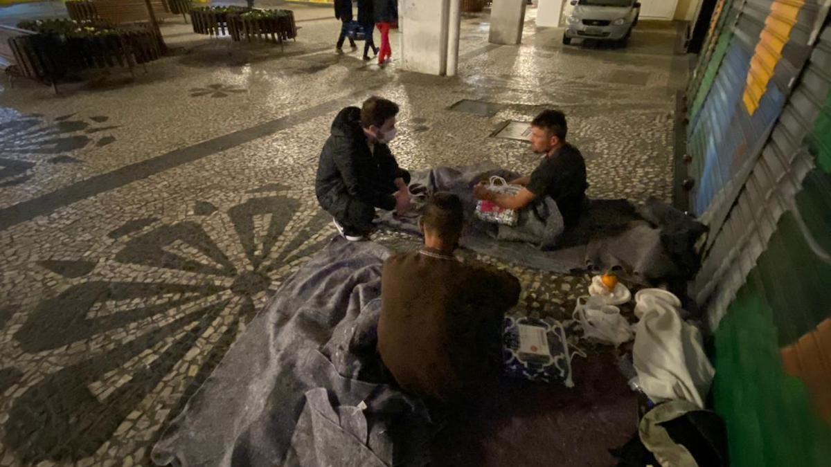 Núcleo do Livres em Curitiba realiza campanha de doação de cobertores